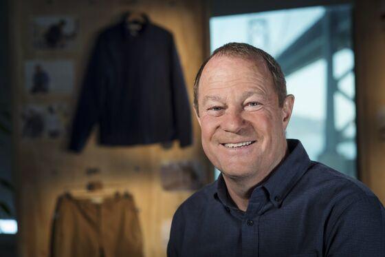 The Clearance Rack Has a Terrible Carbon Footprint, Gap CEO Says