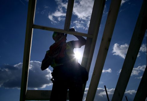 Cameron's $16 Billion Bond Vow for Builders May Lure Gilt Buyers