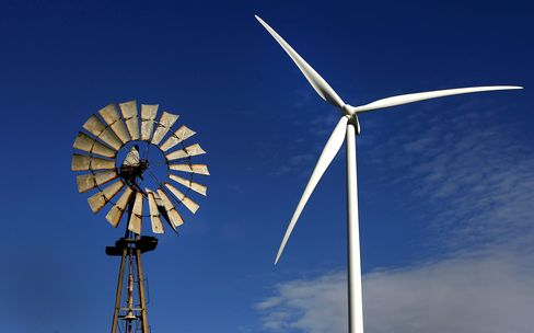 First Solar-to-Vestas Wind Profit Crash Deters New CEOs
