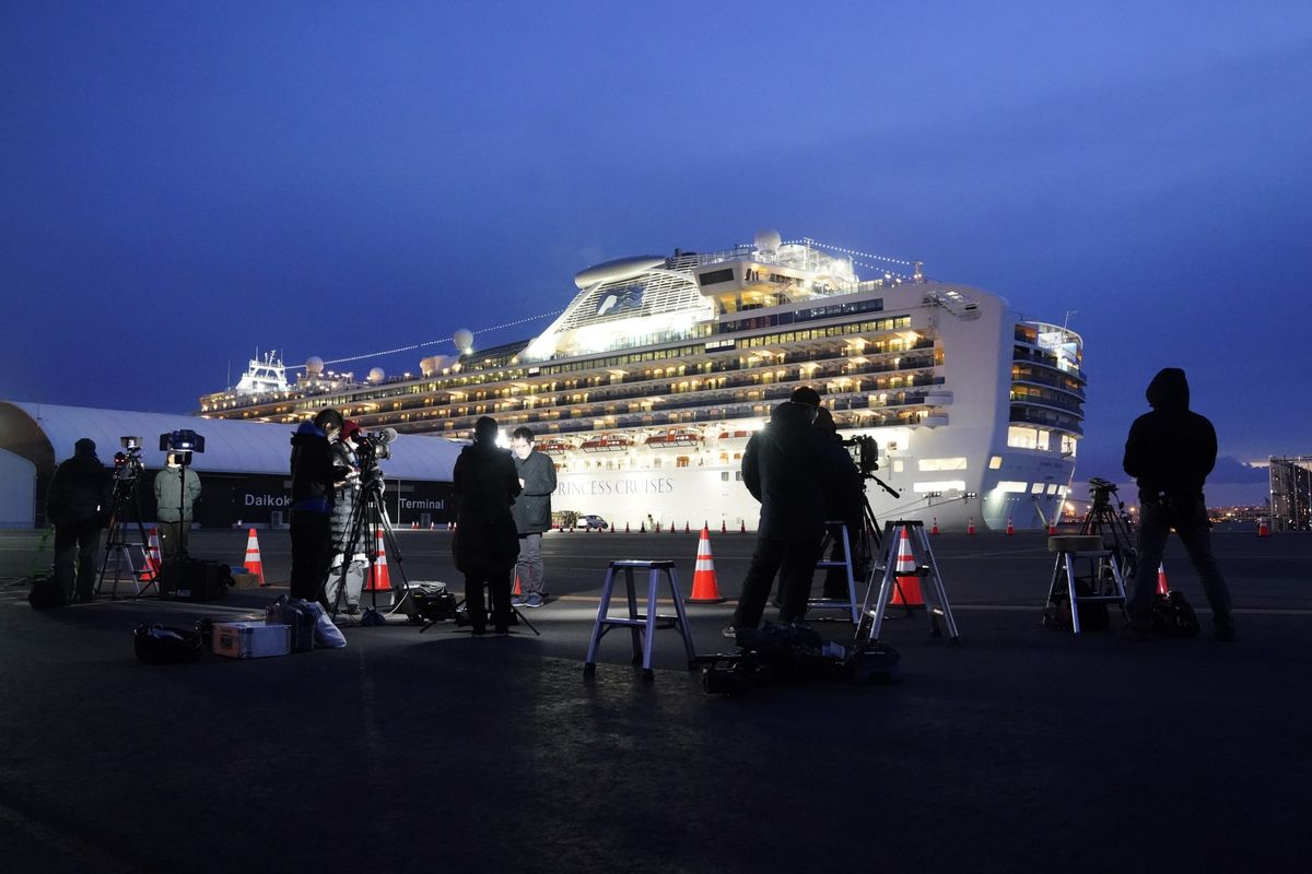 U.S. Woman From Cruise Falls Ill as 2,200 Head Home: Virus Update