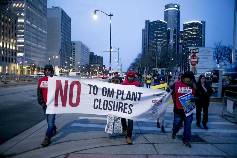 Car-Plant Closings, Corruption Color Detroit Three-UAW Talks - Bloomberg
