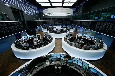 European Shares Gain Before Zew
