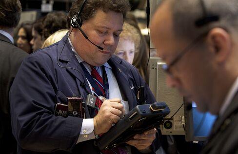 Stocks Tumble as Dollar Climbs Before Payrolls Report