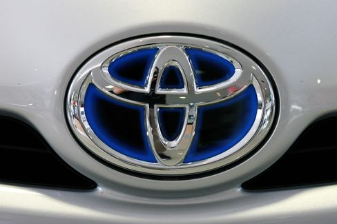 Toyota Remains World's Largest Automaker Even After Recalls