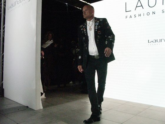Mike Novogratz Models McQueen as Parties Rage on Cusp of Fall Season