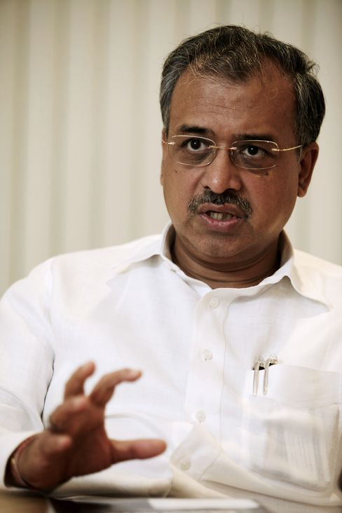Billionaire Shanghvi's Sun Pharma Plans Bigger U.S. Purchase