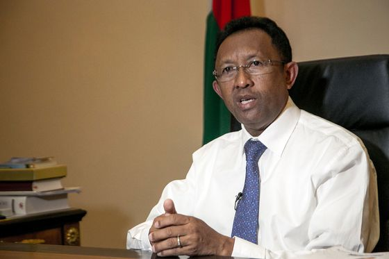 Madagascar's Top Court Orders President to Form New Government