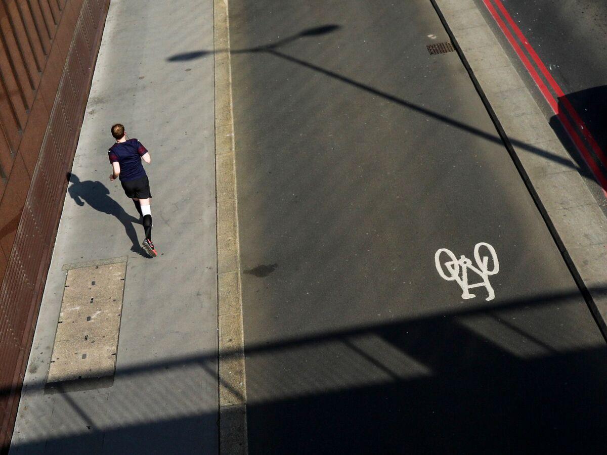 U.K. Urges People to Get Healthier After Lockdown Weight Gains – Bloomberg