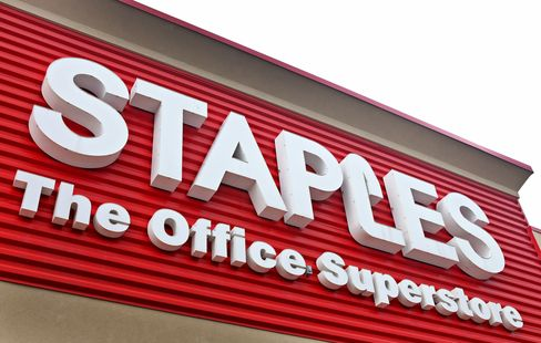 Staples to Close 60 Stores in Plan to Save $250 Million