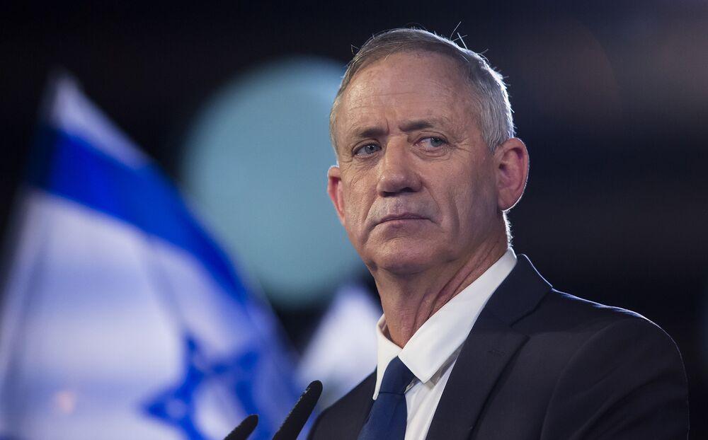 Netanyahu's Challenger Has a Major Handicap