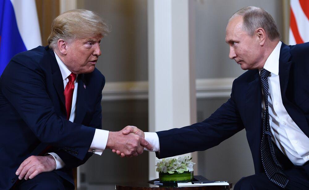U S Election Trump Is Vladimir Putin S Least Bad Option Bloomberg