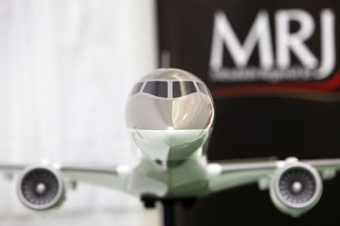 Mitsubishi Jet Gets U.S. Airlines' Backing Amid Delivery Delay