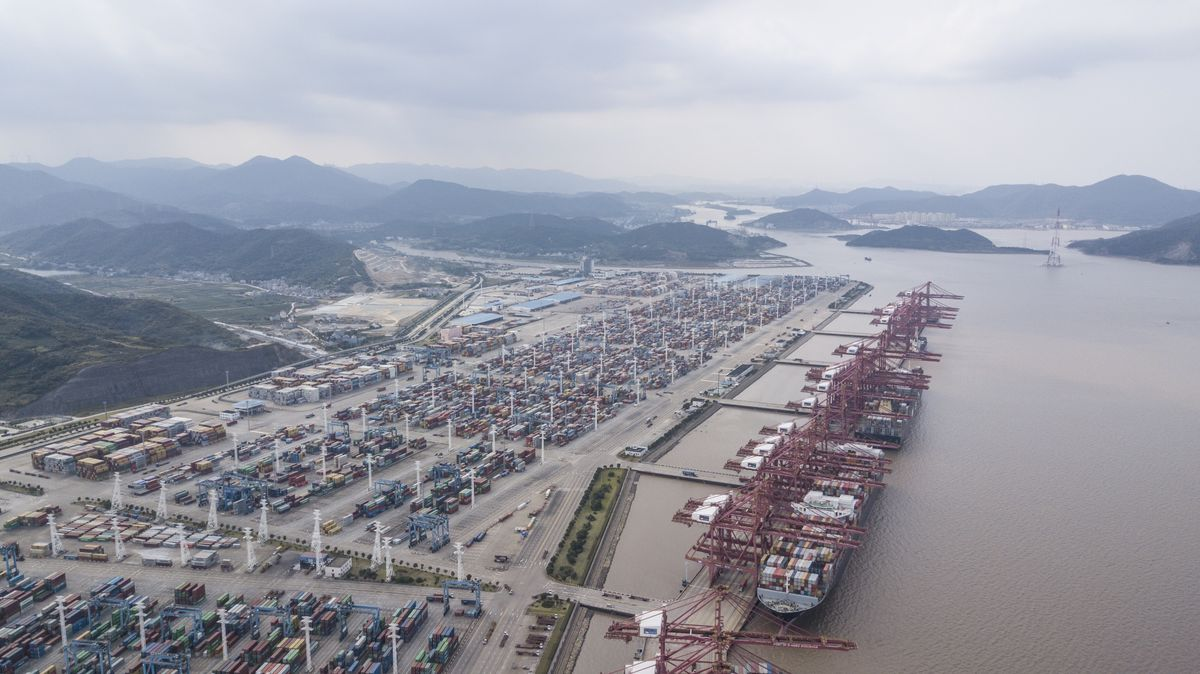 World's Third-Busiest Port Remains Partially Shut in China - Bloomberg
