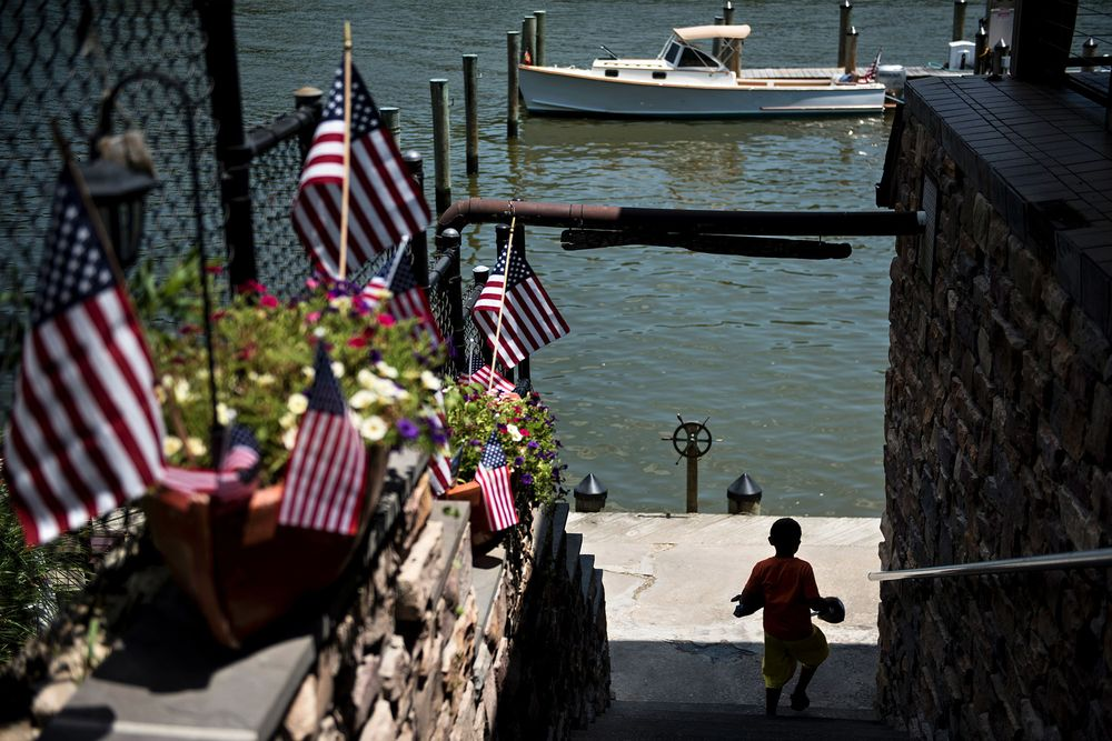 Blue-Sky Floods Take a Rising Toll for Businesses - Bloomberg