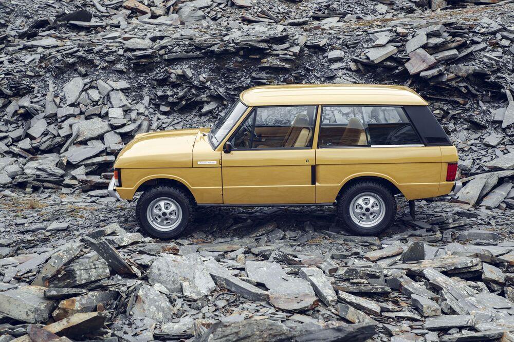 Land Rover Range Rover Reborn Photos Price Stats Bloomberg