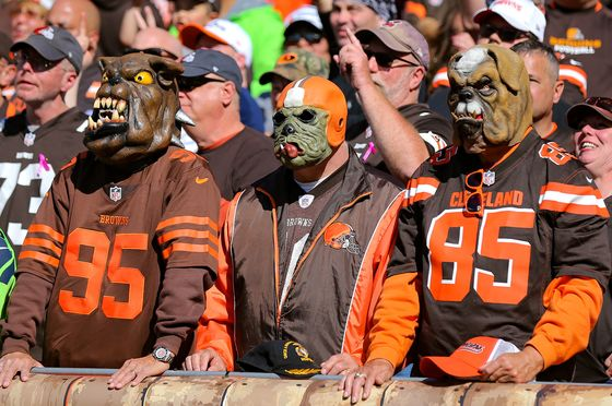 NFL Broadcasts Will Feature Phantom Fans Cheering Stellar Plays
