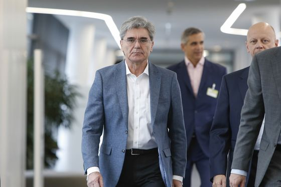 Siemens Carves Out Energy Unit andCuts 10,000 Jobs in Massive Overhaul