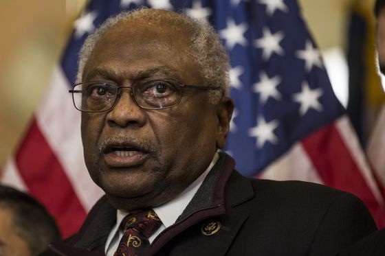 Leading Democrat Says Impeachment Poses Risk for Elections