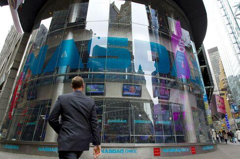 Ex-Nasdaq Official Gets 3½ Year Sentence for Insider Trading