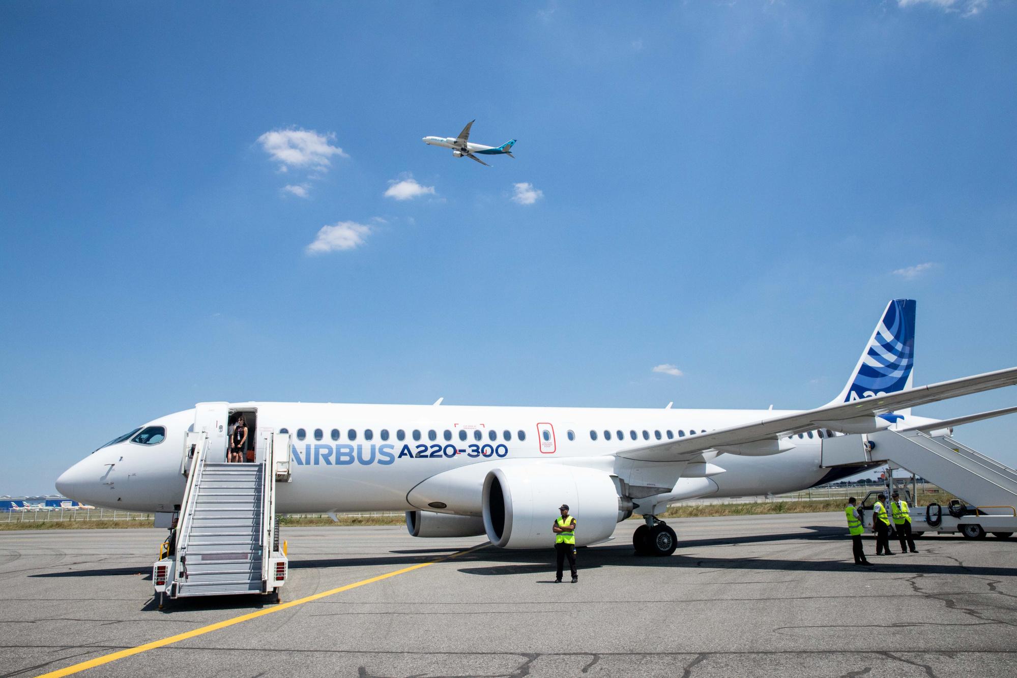 Resultado de imagen para Airbus A220 Mirabel Montreal
