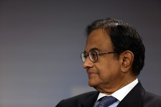 India Central Bank Signals Truce With Government on Reserves