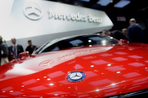 Mercedes Dangles Bounties Pushing Dealers for Top Service