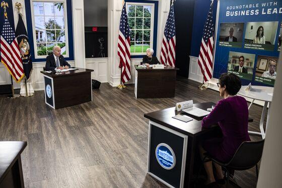 Biden Enlists Dimon, Fraser to Pressure GOP on Debt Limit