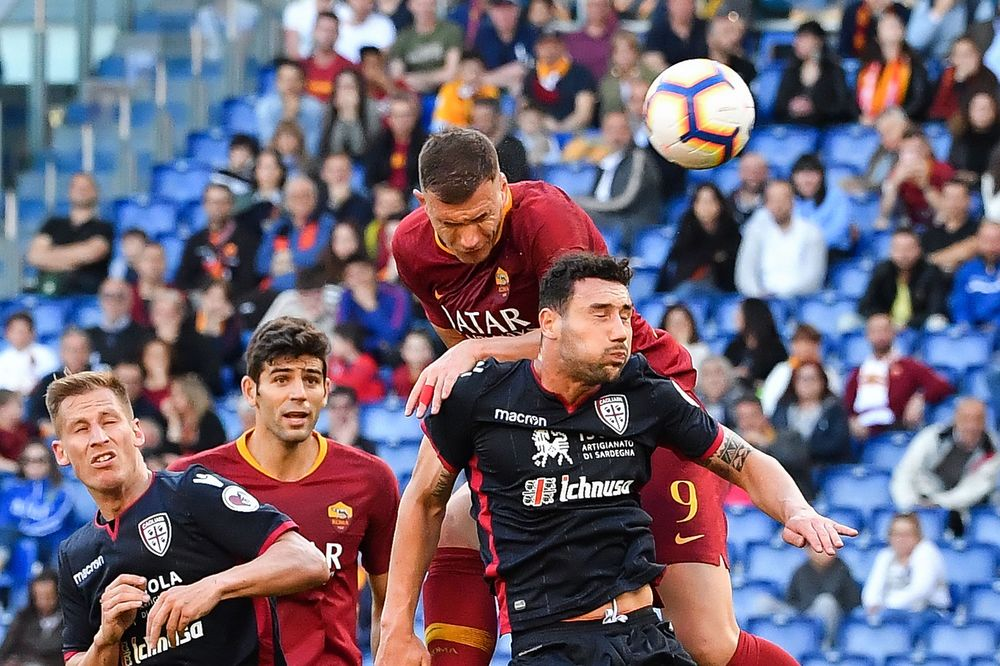 A match between AS Roma and Cagliari.