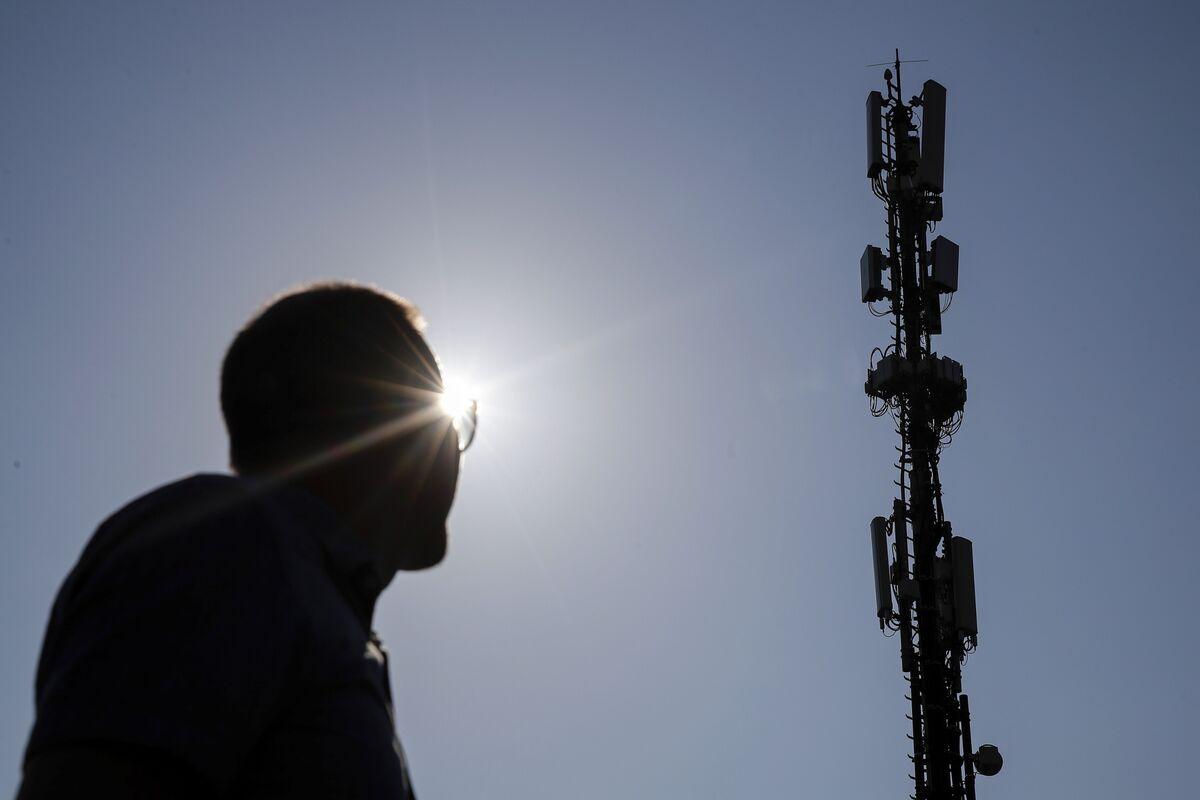 Eco-Friendly Phone Companies Brace for 5G's Energy Bill