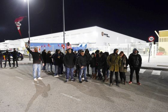 Amazon Warehouse Workers Protest in Europe on Black Friday