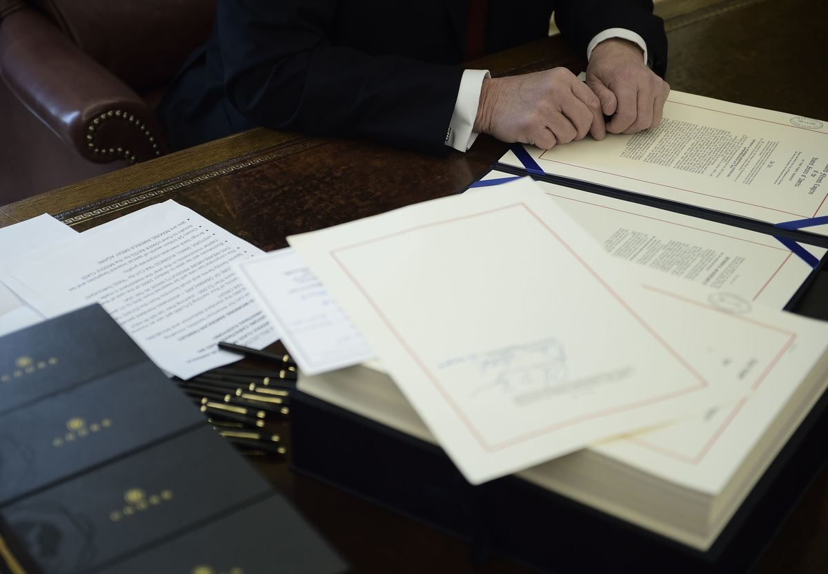 Trump Signs $1.5 Trillion Tax Cut in First Major Legislative Win
