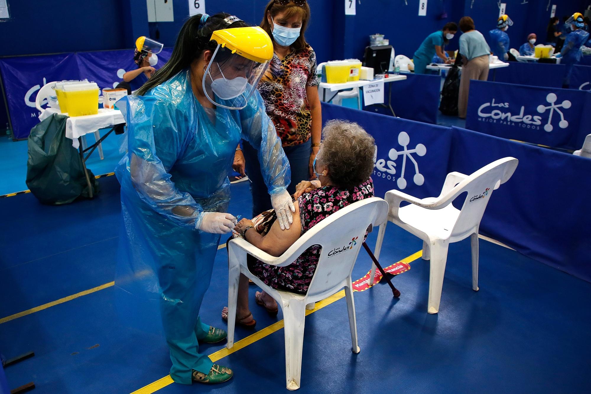 Chile Starts Mass Vaccination Plan Against Coronavirus