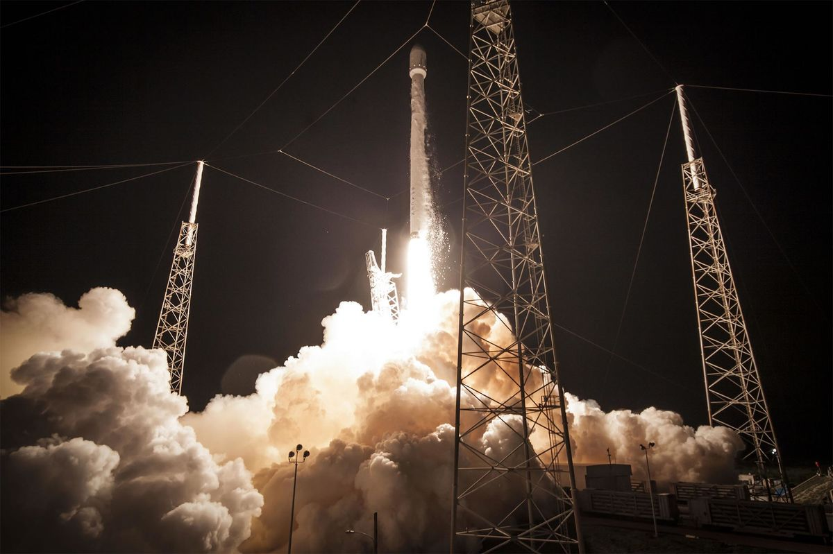 SpaceX Seeks Approval for Radio Links to Satellites