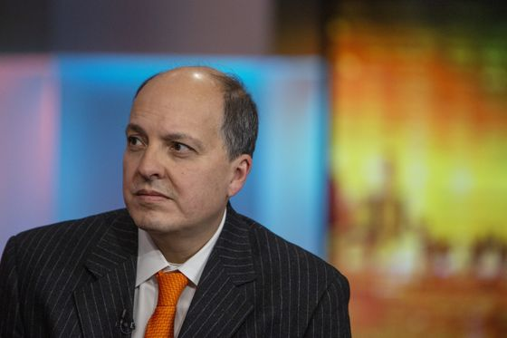Hedge Fund That Jumped 40% Picks Winners in Office-Free World