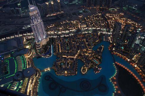 Dubai Masseuses Return to Economy Seeking New Balance for Growth