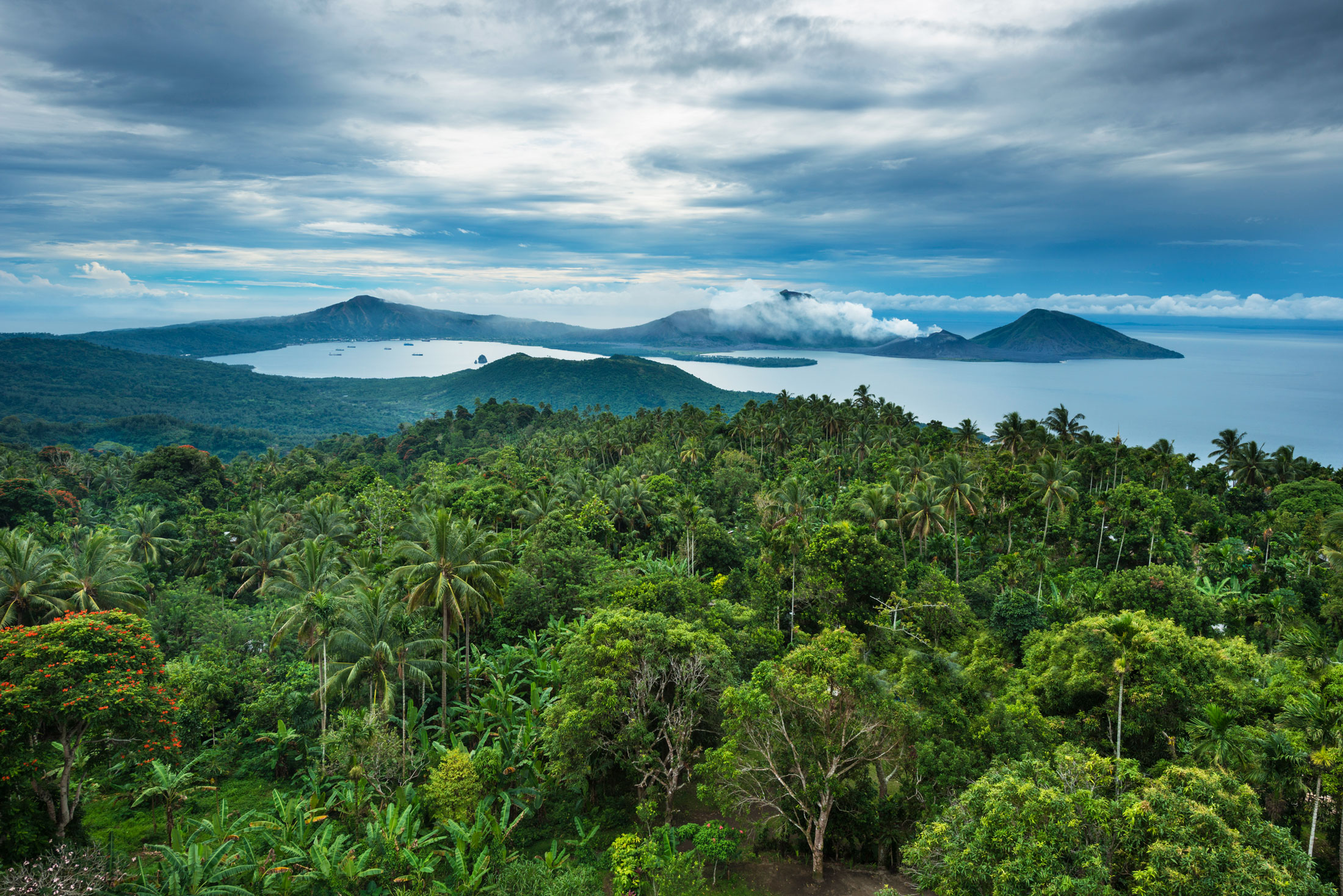 A Trek Through Untouched Rivers and Mountains in Papua New Guinea