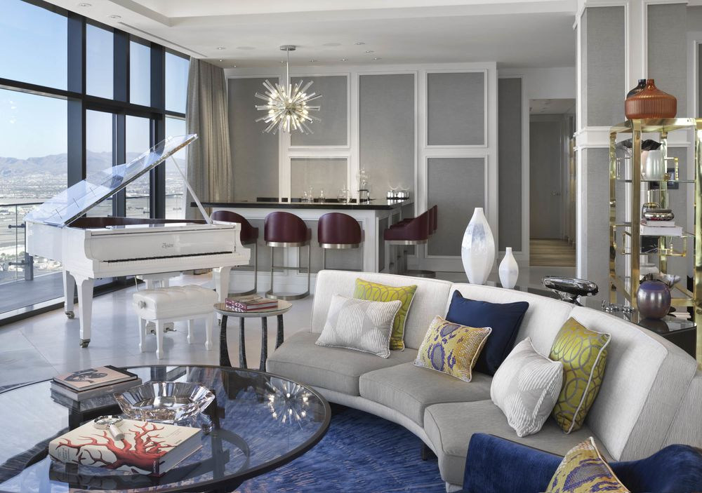 Look Inside This MillionDollar Vegas Hotel Room Bloomberg Cool 3 Bedroom Penthouses In Las Vegas Style