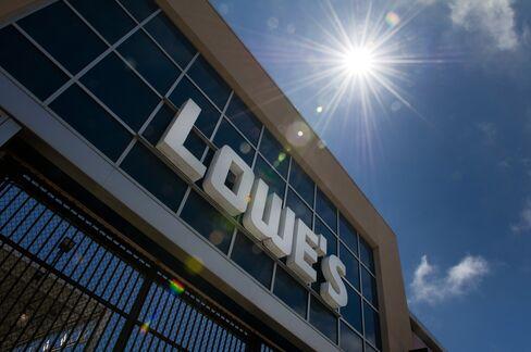 Lowe's Seen Needing Richest Bid Since '06 to Win Rona