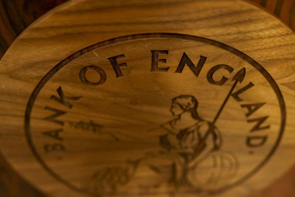 Investors Bet Bank of England Will Cut Rates Below Zero by Early 2021