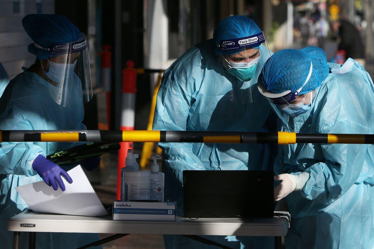 Brisbane Joins Sydney in Lockdown as Virus Spreads in Australia