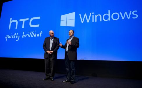 Microsoft CEO Steve Ballmer and HTC CEO Peter Chou