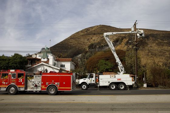 Investors Leap on Rare Bond Linked to Wildfire-Loss Mitigation