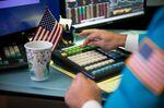 Investors RaiseTheir Short Bets AgainstS&P 500 ETF