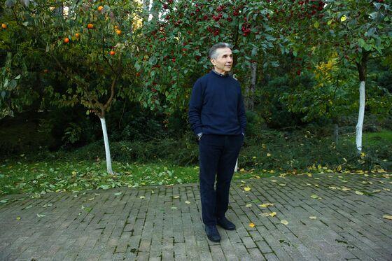Tbilisi Turmoil Threatens Billionaire's Dream With Nightmares
