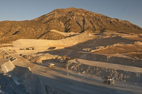 Barrick Gold May Sell Energy Unit as It Reviews Some Assets