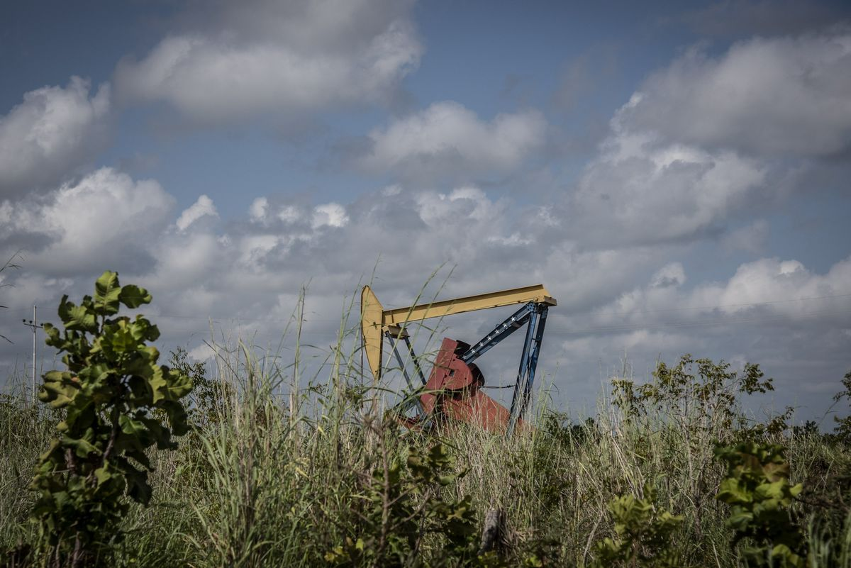 Half of Venezuela's Oil Rigs May Disappear If U.S. Waivers Lapse