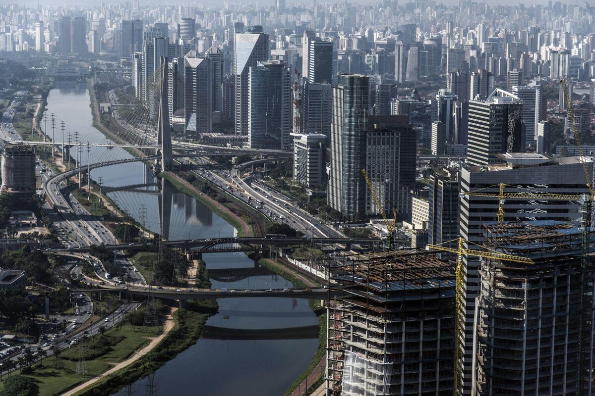Biggest Lender in Brazil Puts Distressed Real Estate Up for Sale