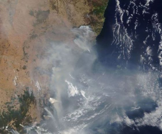 Thousands Evacuated as Wildfires Hit Southeast Australia