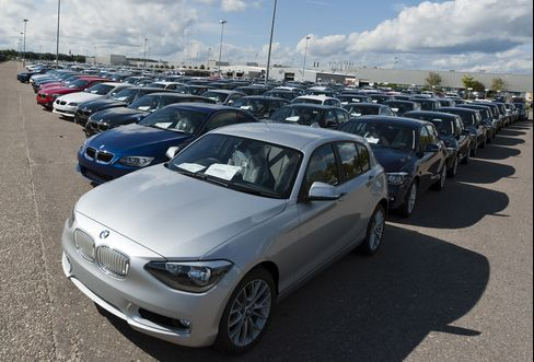 BMW Courts Bloggers for $110 Million Boost in Online Shift
