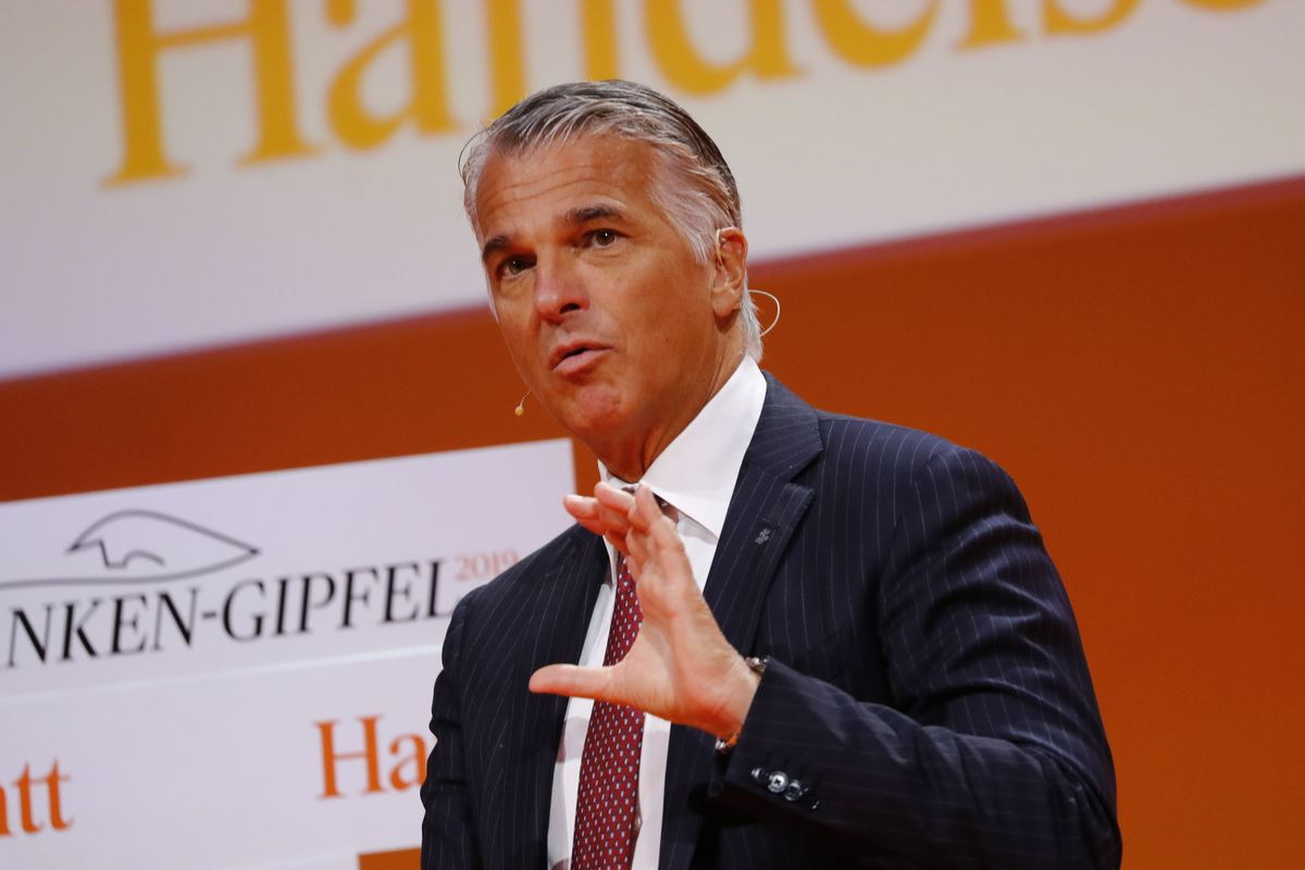 UBS Considering Mergers to Cope With Banking Market Malaise